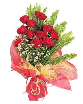 Van İnternetten çiçek siparişi  11 adet kırmızı güllerden buket modeli