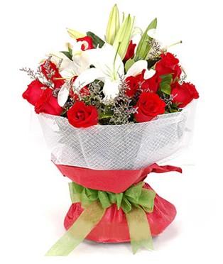 Van hediye çiçek yolla  1 dal kazablanka 11 adet kırmızı gül buketi