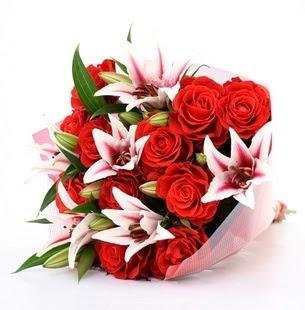 Van çiçek siparişi vermek  3 dal kazablanka ve 11 adet kırmızı gül