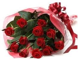 Sevgilime hediye eşsiz güller  Van uluslararası çiçek gönderme