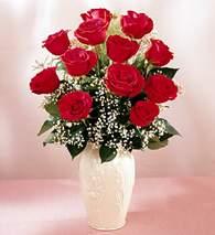 Van çiçekçi mağazası  9 adet vazoda özel tanzim kirmizi gül