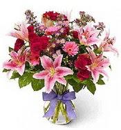 Vazo içerisinde karışık mevsim çiçeği  Van çiçek siparişi sitesi