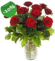 11 adet vazo içerisinde kırmızı gül  Van online çiçek gönderme sipariş