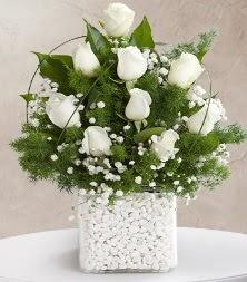 9 beyaz gül vazosu  Van çiçek satışı