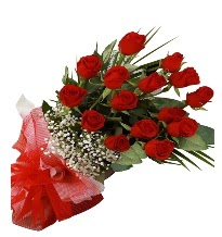 15 kırmızı gül buketi sevgiliye özel  Van çiçek gönderme sitemiz güvenlidir