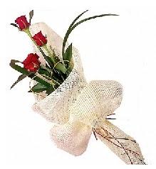 3 adet kırmızı gül buketi  Van güvenli kaliteli hızlı çiçek