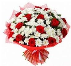 11 adet kırmızı gül ve 1 demet krizantem  Van çiçek mağazası , çiçekçi adresleri