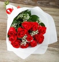 9 kırmızı gülden buket çiçeği  Van çiçek gönderme