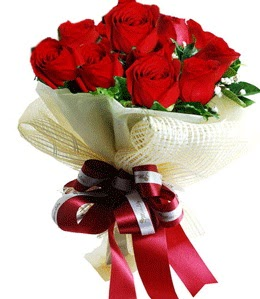 9 adet kırmızı gülden buket tanzimi  Van çiçek gönderme sitemiz güvenlidir