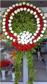 Cenaze çelenk çiçeği modeli  Van anneler günü çiçek yolla