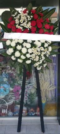 Cenaze çiçeği cenaze çiçek modelleri  Van çiçek siparişi sitesi