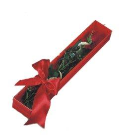 Van çiçek online çiçek siparişi  tek kutu gül sade ve sik