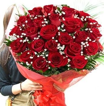 Kız isteme çiçeği buketi 33 adet kırmızı gül  Van çiçek gönderme sitemiz güvenlidir
