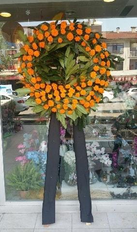 Cenaze çiçeği cenaze çelengi çiçek modeli  Van çiçek gönderme