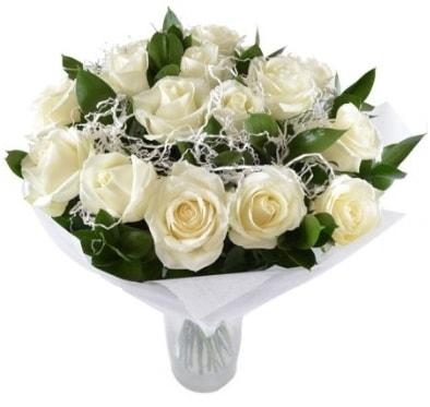15 beyaz gül buketi sade aşk  Van çiçek satışı
